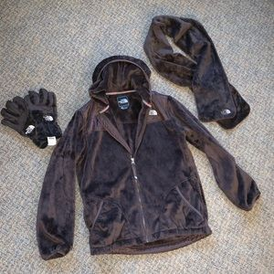 Girls XL north face jacket gloves and scarf